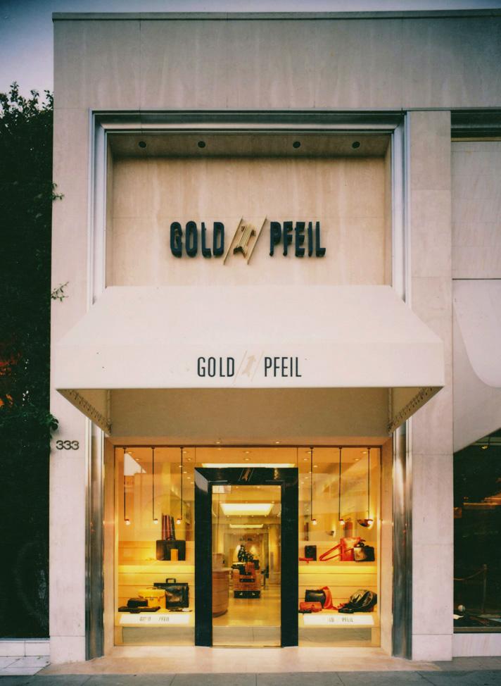 Goldpfeil On Rodeo Drive
