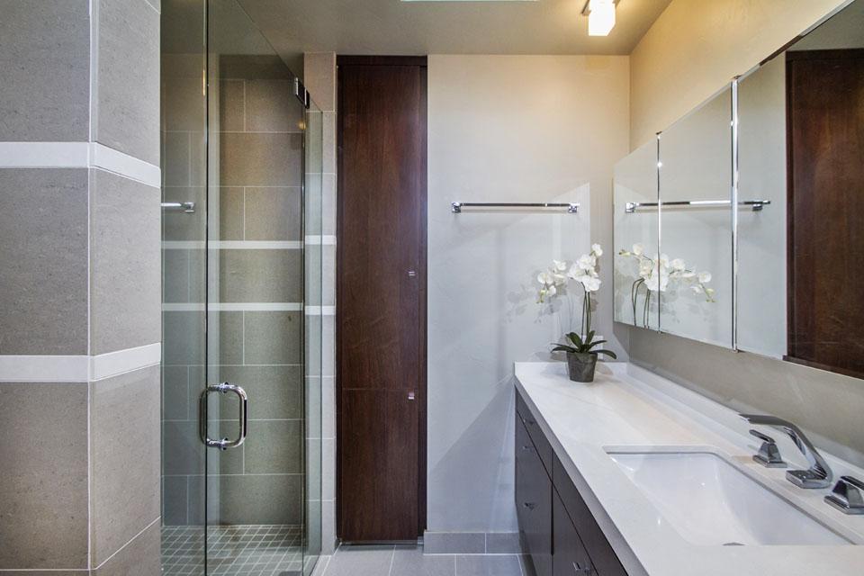 La Jolla Guest Bath